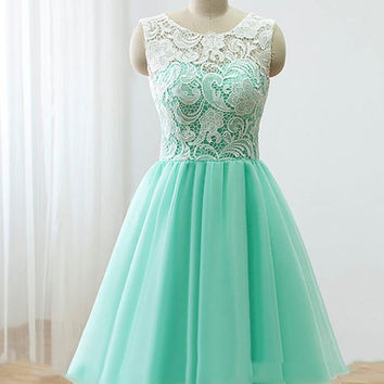 Light Green Short Lace Homecoming Dress Simple Fitted Bridesmaid Dress