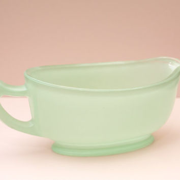 Gravy Boat, Pyrex Sprayware, Frosted Green Glass, Gravy Pourer, Serving Jug, Green Glass, Vintage Pyrex, Green Jug, Kitchen - 1950s / 1960s