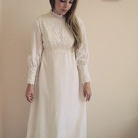 vintage 1960s  wedding dress excellent condition