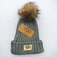 UGG Fashion Men And Women Knitted Cap Light grey