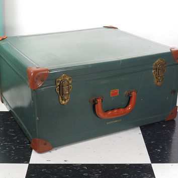 Vintage Suitcase . Winship Company Dutchmaid Circa 1940s . Leather Corners . Old Salesman's Sample Case . Utica New York