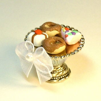 Miniature Cake Stand Doughnuts and Sweets Dollhouse Fairy Garden Serving Plate