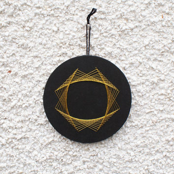 Small String Art Circular Wall Hanging Minimalist Geometric Black and Gold