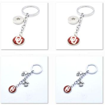 2017 New Football Keychain NCAA Oklahoma Sooners Charm Key Chain Car Keyring for Women Men Party Birthday Keyrings Gifts