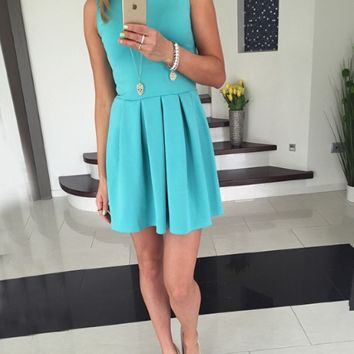Plain Pleated Sleeveless Dress