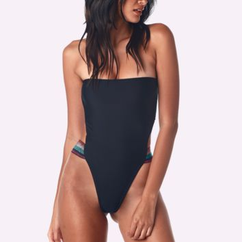 Disco Nero One Piece