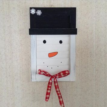 Winter Wall Decor, Primitive Country Rustic Shabby Chic Snowman, Hanging Wooden Shutter Snowman Decor, Christmas Decoration, Holiday Decor