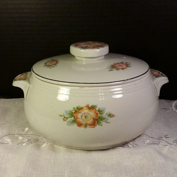 Hall's Rose White 658 Covered Casserole Halls Pottery USA Rose White Flower Casserole Dish or Vegetable Bowl with Lid 1950s Casserole Dish