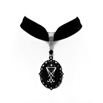 necklace choker velvet sigil seal lucifer cameo black gothic occult esoteric satan satanic pagan witch witchcraft witchy dark
