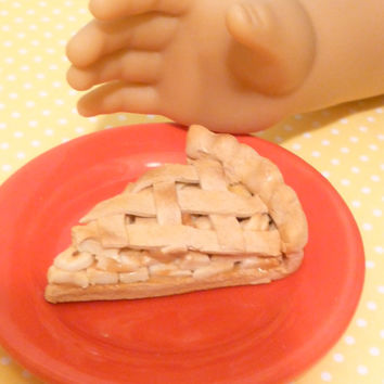 Miniature Apple Pie Slice for American Girls 1:3