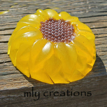 SUNFLOWER SOAP,  handmade soap, glycerin, vegan, guest gift, flower soap, novelty soap, natural soap, pick scent, sunflower decor, summer