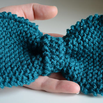 Teal Blue Green Knitted Hand-Knit Hair Bow or Clip-On Bow Tie