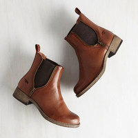 Rustic Casual Influence Boot in Cognac