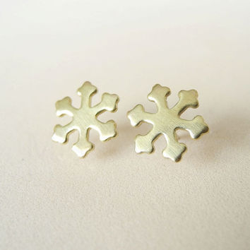 Snowflake Stud Earrings,Gold Brass Snowflake Earrings,Winter Snow Jewelry,Frozen Fever,Holiday Jewelry,Sterling Silver Earring Posts (E244)