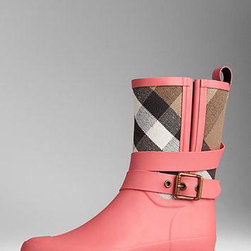 Check Detail Belted Rain Boots