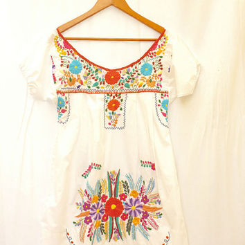 Peace Mexican white vintage dress handmade intricate beautiful embroidery