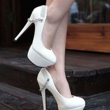 Gorgeous Back Metal Chain WHITE Pumps High Heeled Shoes Size 8  8 b...