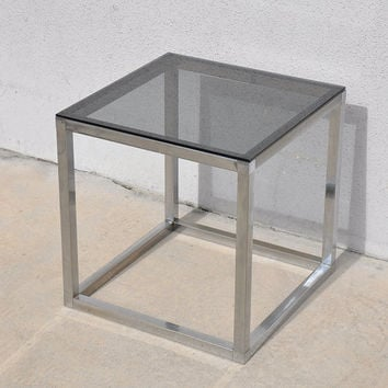 1970s Mid-Century Modern Milo Baughman / Parsons Style Smoked Glass Chrome Side End Vintage Table
