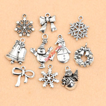 Tibetan Silver Plated Christmas Boot Snowman Boot Snowflake Charms Pendants Bracelet Necklace Jewelry Making Accessories DIY