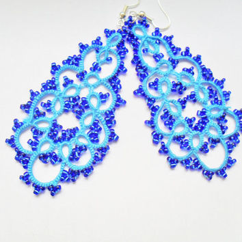 Handmade tatted turquoise earrings made of cotton thread and beads, lace tatted earrings