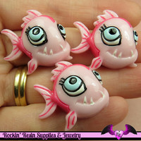 Pink PIRANHA FISH Resin Decoden Flatback Kawaii Cabochons 28x25mm  (4 pieces)