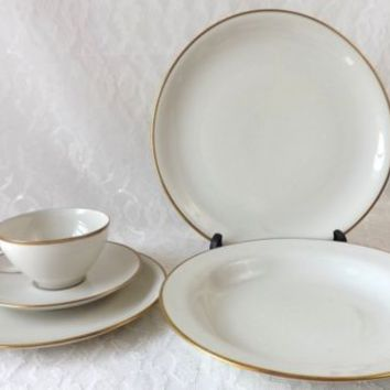 Vintage Eschenbach Bavaria Germany 5 Piece Place Setting Off White & Gold China