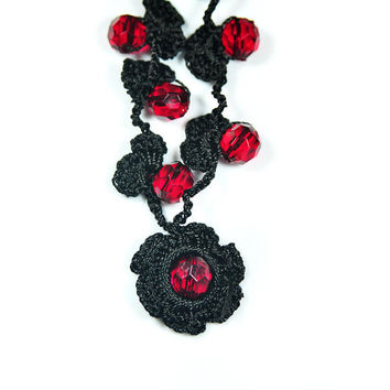 Handmade  Crochet Lariat, Beadwork, black and red, crochet necklace, long, jewelery, crochet lariat, romantic, women, for her, red beads