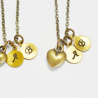 best friend set necklace,heart personalized jewelry,bridesmaid necklace,bff customized necklace,initial jewelry,hand stamped sister jewelry