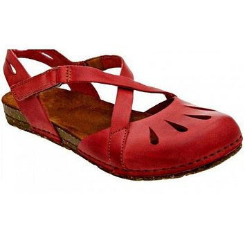 Closed Toe Flat Buckle Sandals