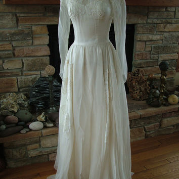 Wedding dress 1940s silk chiffon chantilly lace appliques vintage bridal gown