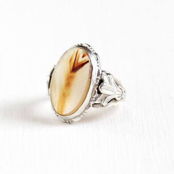 Vintage Art Deco Sterling Silver Brown & Clear Agate Ring - 1930s Size 6 3/4 Oval Chalcedony Cabochon Gem Foliage Statement Uncas Jewelry