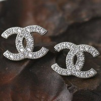 ONETOW Chanel high fashion small zircon zircon earrings earrings jewelry
