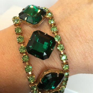 Vintage Emerald Green Rhinestone Bracelet, 60s Wide Crystal Bangle, Chunky Statement Bracelet, Wedding Jewelry, Bridal Bracelet,Gift for Her