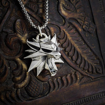 Geralt's  cosplay full-size silver wolf medallion high quality with 50cm steel chain!!!