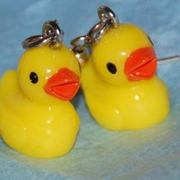 Yellow rubber duck earrings by JooniebeadsTreasures on Etsy