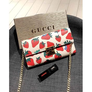 GUCCI 2019 new small strawberry pattern printing women's chain bag shoulder bag