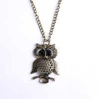 Vintage Copper Plated Metal Necklace&retro Cutout Owl Black Rhinestone Pendant P0975:Amazon:Jewelry