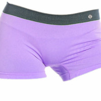 LULULEMON. a one-piece trackless, anti-glare, anti-glare, anti-bacterial ladies' boxer shorts.PURPLE
