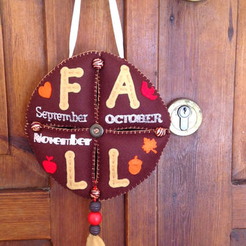 Autumn banner, Felt Banner, Fall banner, Autumn wreath, Door hanger, Wall decor, Living room Art, September, October, November, acorn, leaf