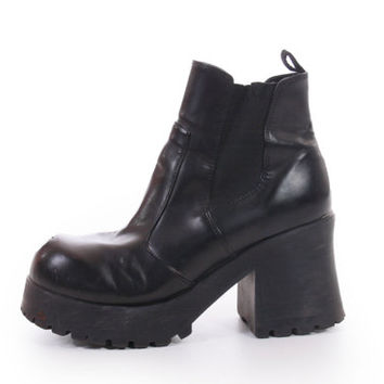 90s Chunky Black Vegan Leather Platform Ankle Boots Minimalist Goth Womens Shoes Size US 8 UK 6 EUR 38-39