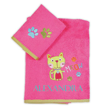 Personalized baby towels- 100% terry cotton 2 pcs set with name and cat embroidery- fuchsia toddler towel set-baby shower gift-birthday gift