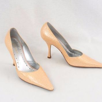 BCBG Girls Shoes  High Heel Pumps Size 8 B Beige Textured Leather Made In Brazil