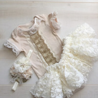 Victorian Style Lace Baby Girl Outfit-Lace Baby Bodysuit-Special Occassion Lace Tutu Set-New Baby Photo Prop-Shower Gift Girl-Church Gown