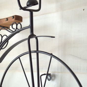 Old Fashioned Bicycle Wall Art, Black Metal Bike Sculpture, Old Bike Wall Art