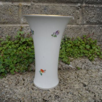 Antique Vienna Austrian porcelain vase - Augarten Wien Austria - Royal Vienna fine porcelain hand painted vase - rare early 20th century