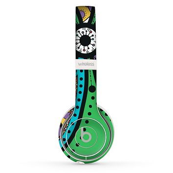 The Bold Paisley Flower Skin Set for the Beats by Dre Solo 2 Wireless Headphones