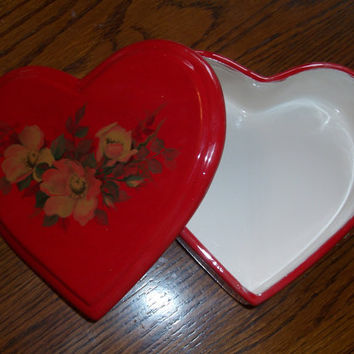 Ceramic Box Heart Shaped With Lid-Mothers Day, gift, love, one of a kind, unique, studio made