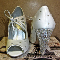 Seychelles 4 inch Strassed White Peep Toe High Heels with Authentic Swarovski Crystals Size 7