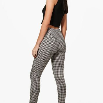 Jade Woven Gingham Slim Fit Trousers | Boohoo