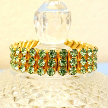 Vintage Rare Rhinestone Bracelet Gold and Peridot Stones, Vintage Expandable Rhinestone Bracelet Made in British Hong Kong, Vintage Jewelry